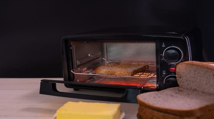 How To Clean A Breville Toaster Oven: A Quick Guide